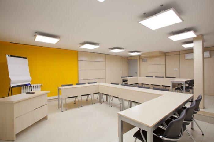 دکوراسیون اداری و فضای آموزشی مدرسه آو