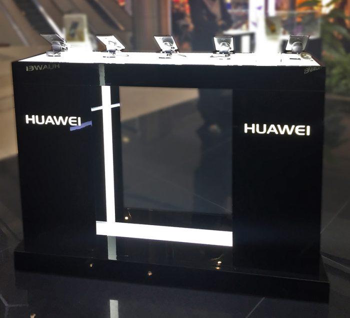 HUAWEI roadshow stands